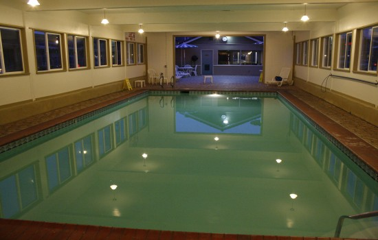 Welcome To El Castell Motel - Beautiful Indoor Pool